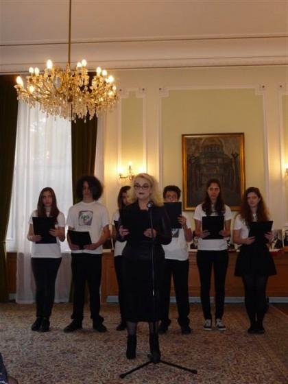 Здравка Момчева и нейните ученици