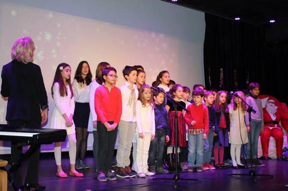 На сцената с дядо Коледа