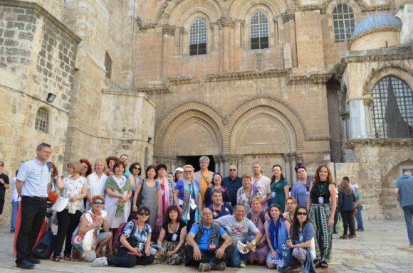Пред църквата на Възкресението в Йерусалим