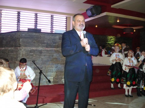 Генералният консул на България в Чикаго поднася Коледно приветствие