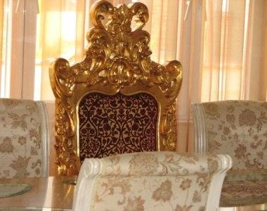 Кой постави Цар Киро на трон и дълго ли ще остане свободно мястото му?