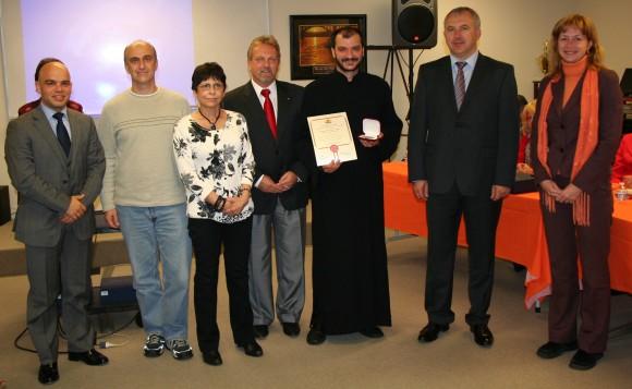 """Награждаване на Българската православна църква """"Света Троица"""""""