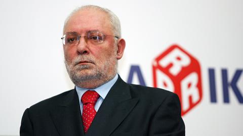 Три сделки в рамките на две седмици обърнаха нещата в българското Интернет пространство с главата надолу. Една от големите изнеади беше закупуването на Нетинфо от Радосвет Радев и Дарик радио