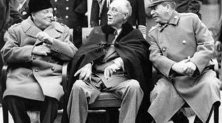 Чърчил, Рузвелт и Сталин на конференцията в Техеран. Ноември 1943 г.