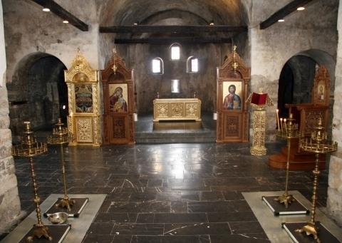 """Част от интериора на """"Св. Неделя"""" след като става действащ храм. Снимка: в. """"Марица"""""""