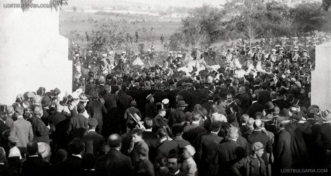 Посрещане на Фердинанд в София след обявяването в Тървоно на Независимостта, 30.09.1908 г. Снимка: .lostbulgaria.com