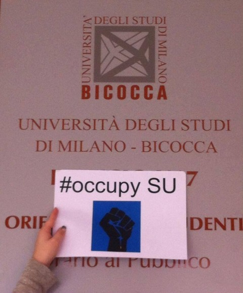 Символична подкрепа от български студенти в Милано