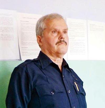 """На тази снимка, правена преди две години в Централния софийски затвор, Иван Тодоров е облечен с униформата си от охранителната фирма в САЩ. Снимка: Любомир Денов, в. """"24 часа"""""""