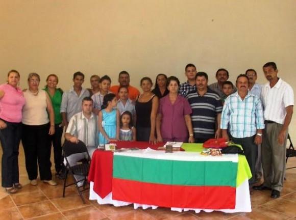 Среща на Спас Ташев с ръководството на българите в гр. Токоа, 2011 г. Борис Симеон Еленков Мартинес е на втората редица,