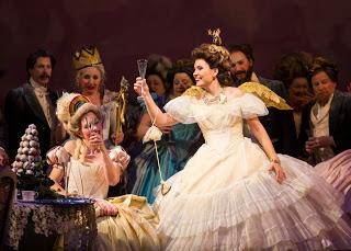Марина Ребека – Виолетта. Сцена из оперы