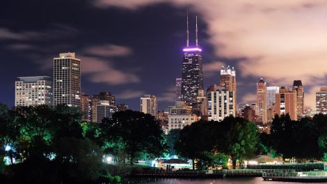 Чикаго в светлините на нощта. Снимка: Grist.org