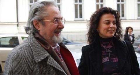 Никола Гюзелев и Анна-Мария Гюзелева през 2009 г., пристигна за церемонията по връчване на почетното звание на БАН «Доктор хонорис кауза» с красивата си съпруга - актрисата Ана- Мария Гюзелева.