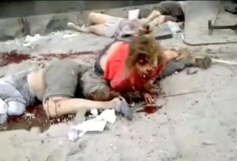 Грозна човешка трагедия пред входа на сградата на областната администрация. Снимка: скийншот от същото видео