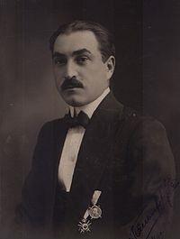 Иван Петров Хаджииванов http://bg.wikipedia.org/wiki/%D0%98%