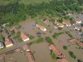Така изглежда гр. Мизия в първите часове след наводнението. Снимка: БТА