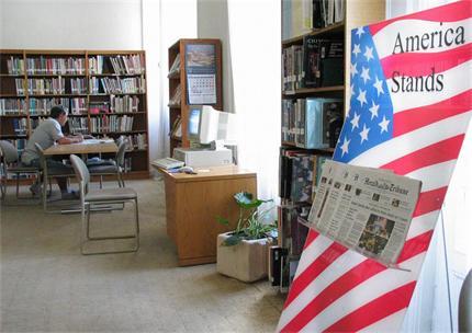 """Читалните на Столична библиотека. Снимка: в. """"Труд"""""""