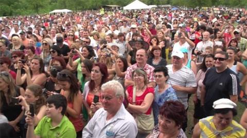 Българи в Чикаго в Деня на мира. Снимка: Матей Мандаджиев, БНР