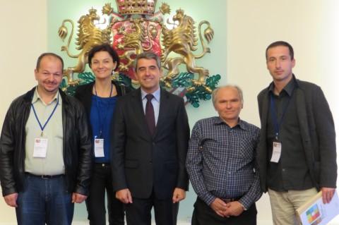 Българи от Босилеград, участници в Десетата световна среща на българските медии, на среща с президента на Р. България Росен Плевнелиев