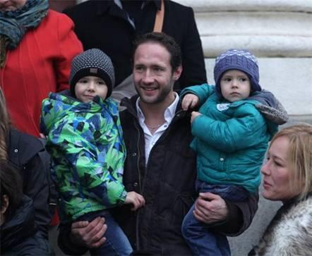 Актьорът Дарин Ангелов с децата си