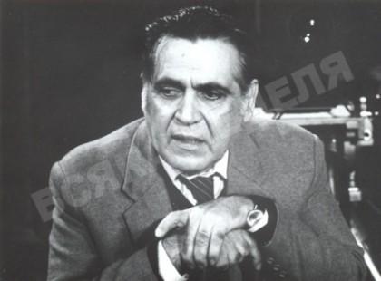"""Свинтила в студиото на ТВ предаване """"Всяка неделя"""". Снимка: kevorkkevorkian.com"""