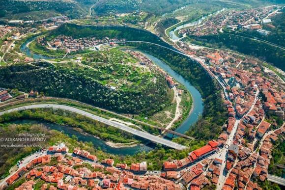 Изглед от Велико Търново. Източник: България от птици поглед