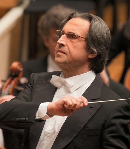 Риккардо Мути дирижирует Чикагским симфоническим оркестром. Фото – Тодд Розенберг