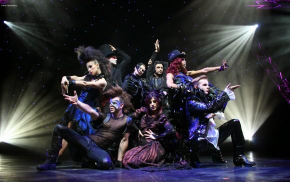 """cцена из мюзикла """"Иллюзионисты..."""". Все фото – Broadway in Chicago"""