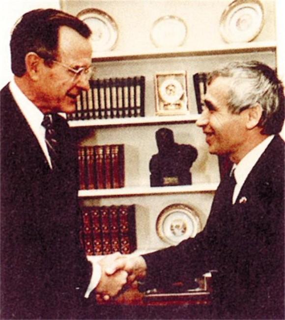 Zhelev and George Bush Sr., 1990