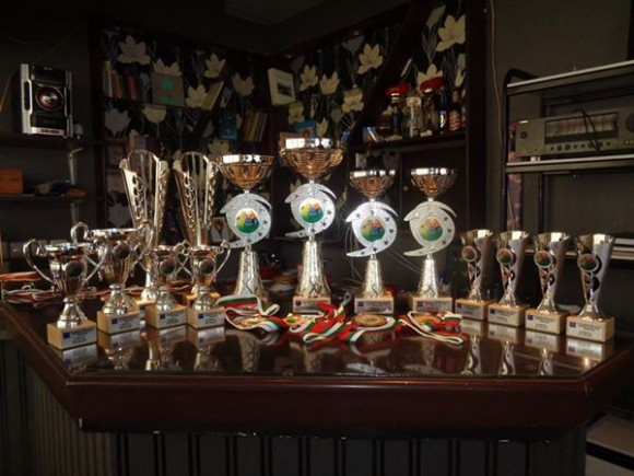 Купите за победителите в състезанието с великденски яйца вече ги очакват