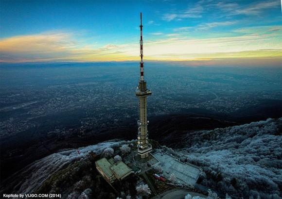 Телевизионната кула в местността Копитото на Витоша от птичи поглед. Снимка: vijgo.com