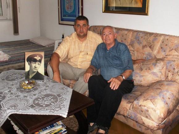 Съпредседателят на Клуба на приятелите българи и евреи Спас Ташев със Сами Рафаел