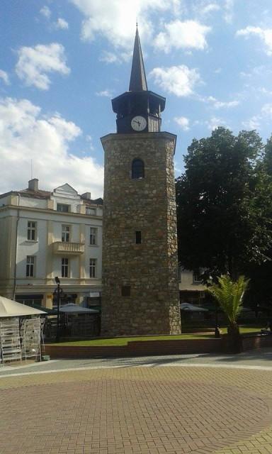 На това място, близо до тази стара кула, която се намира в Хасково, са се пресичали Източният трансбалкански път и Виа Милитарис. Снимка: Авторката