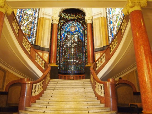 Софийски университет, стълбище към Аулата. Снимка: http://evlogi-i-hristo-georgievi.org