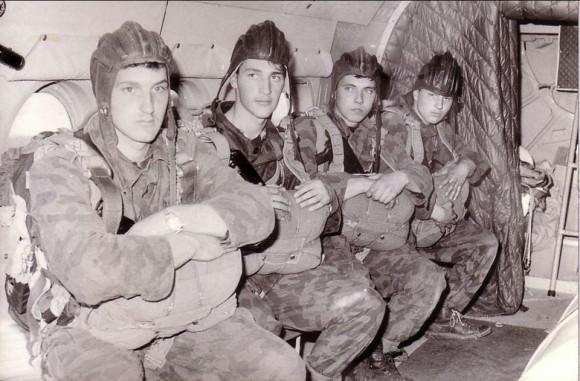 Български войници от парашутно поделение. Снимка: bgspomen.com