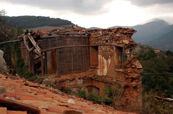 Останки от българска къща в Северна Гърция. Снимка: Цветан Томчев