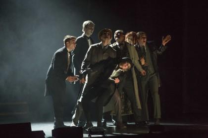 "Сцена из спектакля ""Шерлок Холмс"" (Фото – Broadway in Chicago)"