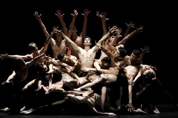 "Сцена из балета ""Отелло"". Фото – Hamburg Ballet"