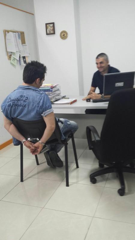 Венцислав Марков в ролята на лошия, но усмихнат полицай