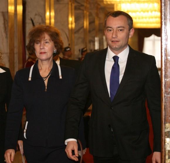 Николай Младенов и Елена Поптодорова по време на посещението на Хилъри Клинтън в София.