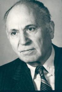 проф. Стоян Хр. Петров 1905, с. Полс. Скакавица - 1991, Русе