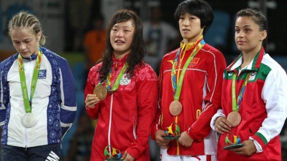 Елица Янкова (крайната вдясно) успя да спечели трето място в своята категория и първият български медал от Олимпиадата в Рио. Снимка: БНР