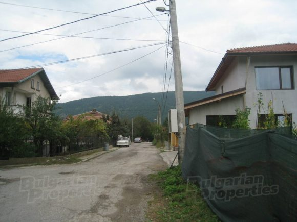 Улица в Кокаляне. Снимка: bulgarianproperties.bg
