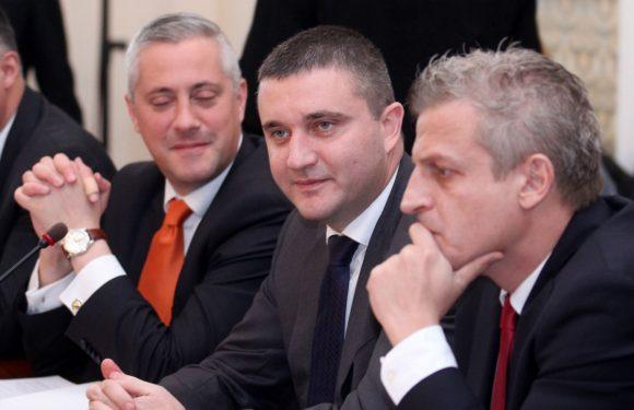 Трима безценни министри умуват над бюджета. Снимка: Ureport.bg