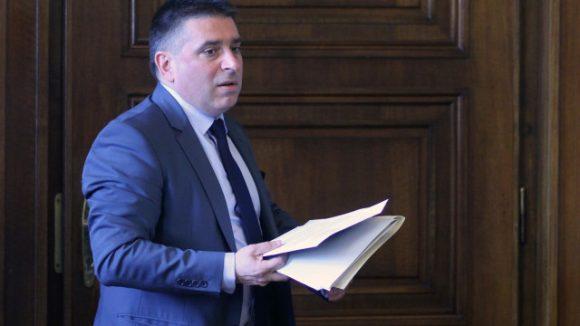 Председателят на Комисията по правни въпроси към НС Данаил Кирилов. Снимка: bTV