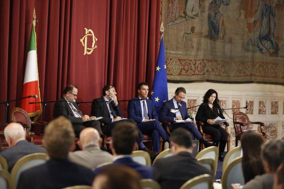 Съпредеседателят на Българския съюз за директна демокрация Таня Тодорова е крайната вдясно на снимката.