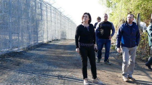 Румяна Бъчварова инспектира границата. Снимка: БГНЕС