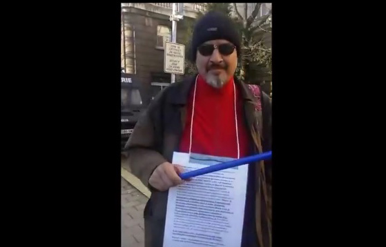 Порочната практика за продажбана на шофьорски книжки на неграмотни хора трябва да спре - казва този участник в протеста.