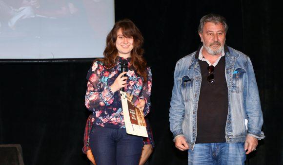 Д-р Лорис Мануелян връчи втората награда на Ангелина Аелксандрова