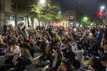 Протести в Сърбия срещу избора на Вучич. Снимка: mediapool